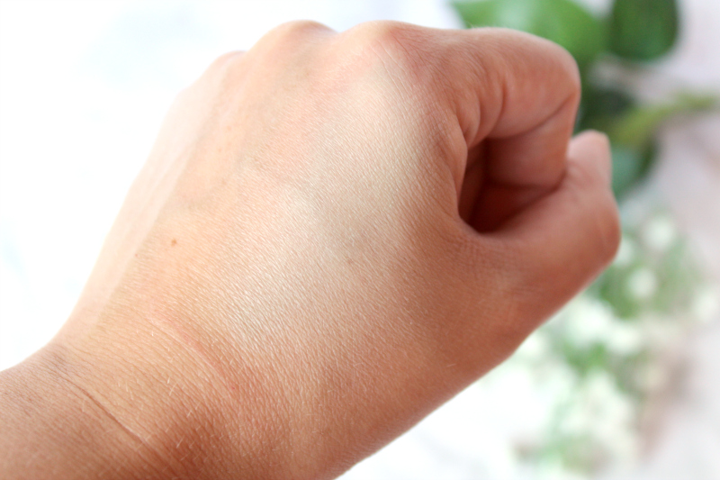 corriger rougeurs Naked Skin Color vert
