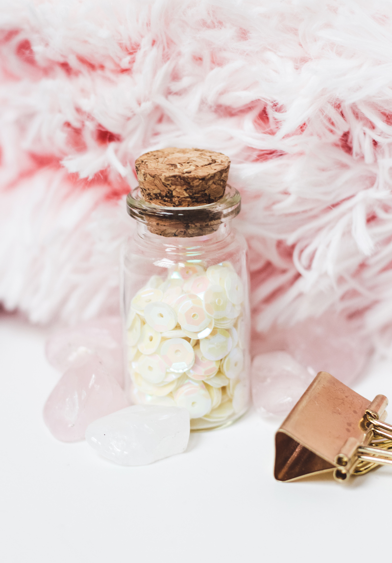 photo gratuite girly blogueuse pink glitters jar