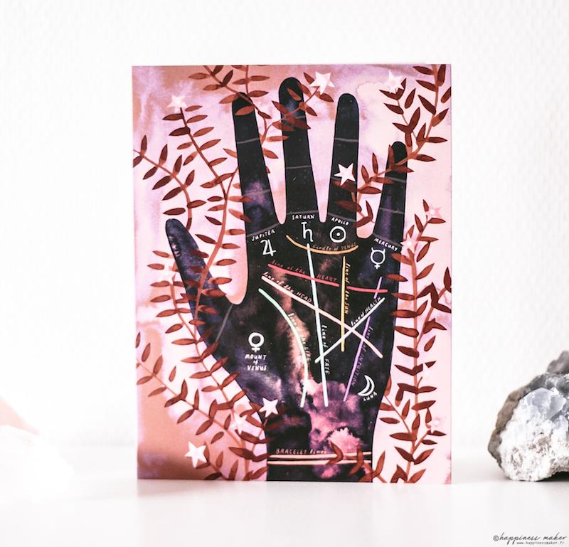 deco cabinet curiosites carte postale main