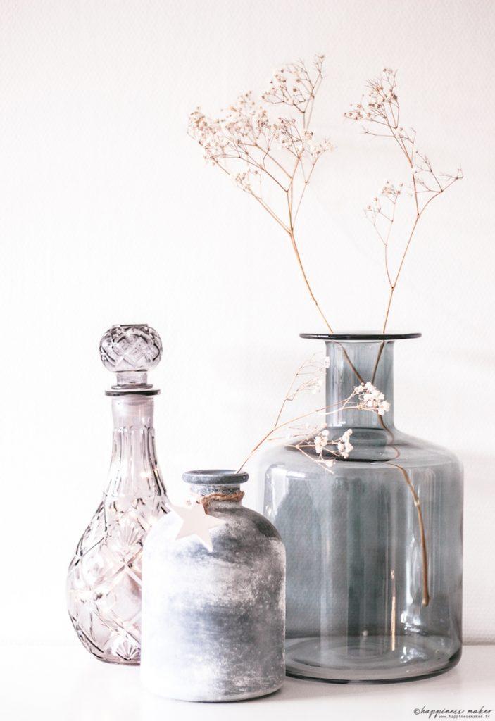 déco cabinet curiosités vases bleu