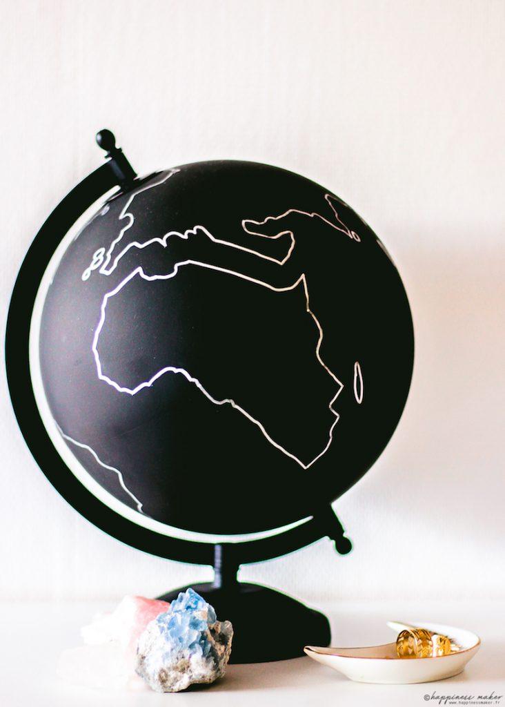 déco curiosités magie globe ikea noir argent